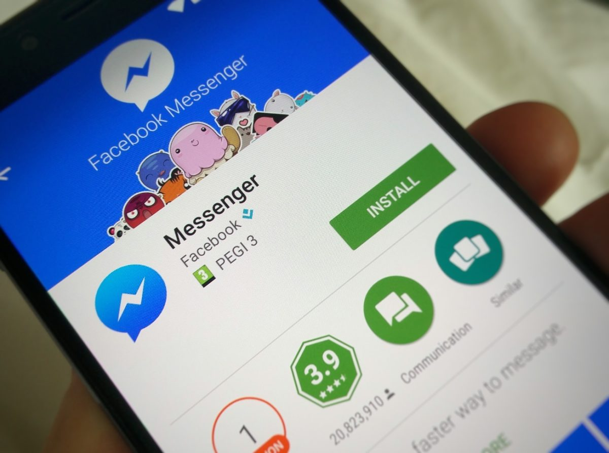 Facebook Forces Users to Download Messenger